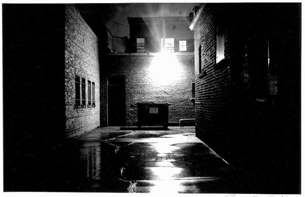 http://philgamer.files.wordpress.com/2009/03/dark_alley.jpg
